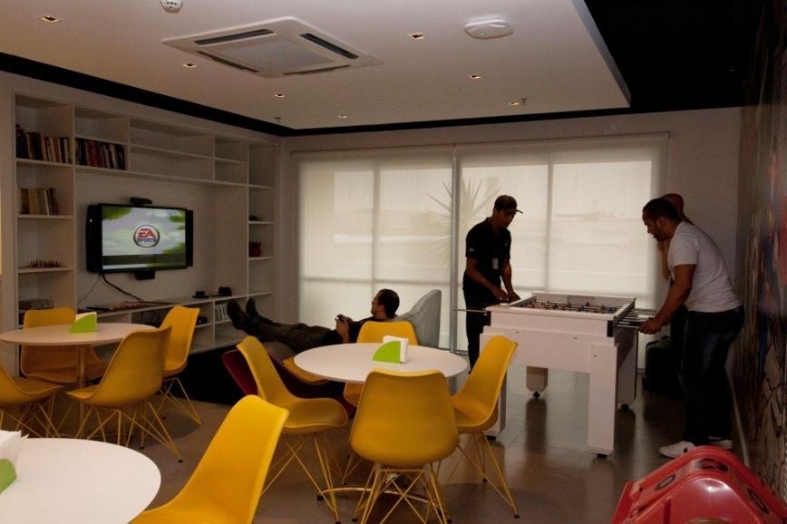 Um espaço de lazer e relaxamento para os funcionários é uma forma da empresa mostrar que realmente se importa com o bem-estar deles.