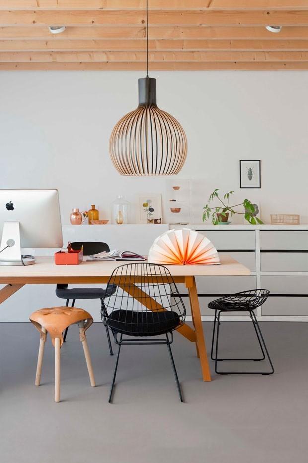 Criar um ambiente multiuso é ideal para quem possui pouco espaço disponível.