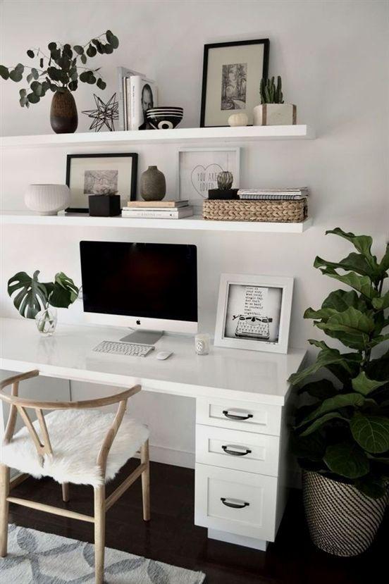 As plantas trazem vida ao ambiente e, certamente, vão deixar a decoração do home office mais vibrante.